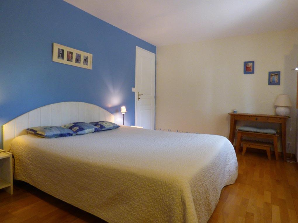 chambre bleuet chambres d 39 h tes largenti re en ard che grand ch ne. Black Bedroom Furniture Sets. Home Design Ideas